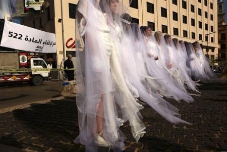 تصاویری از عروس های خون آلود در کشور لبنان