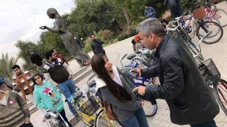 عکس های دوچرخه سواری دختران خوشگل و بی حجاب عراقی