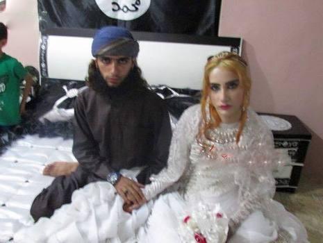 عکس های لو رفته جشن عروسی و شب زفاف سرباز داعشی