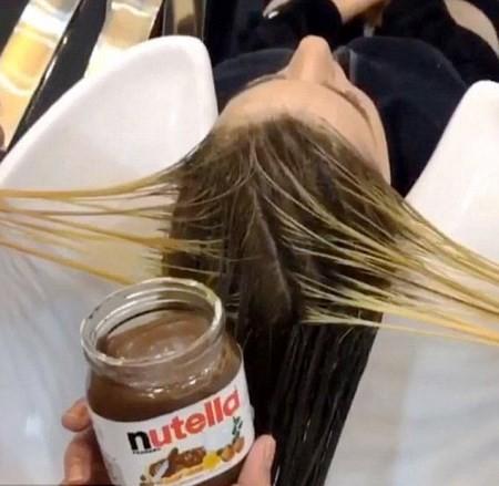 آموزش شکلاتی کردن رنگ موها با نوتلا و شیر عسل