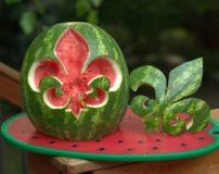 علت خوردن هندوانه در شب یلدا چیست؟