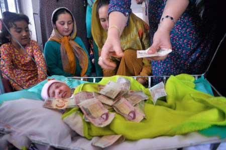 تصاویر جالب جشن هفت روزه نوزاد در ترکمنستان