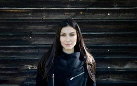بیوگرافی لاله پورکریم خواننده زن سوئدی + تصاویر