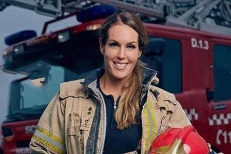 عکس های زیباترین زن آتش نشان جهان