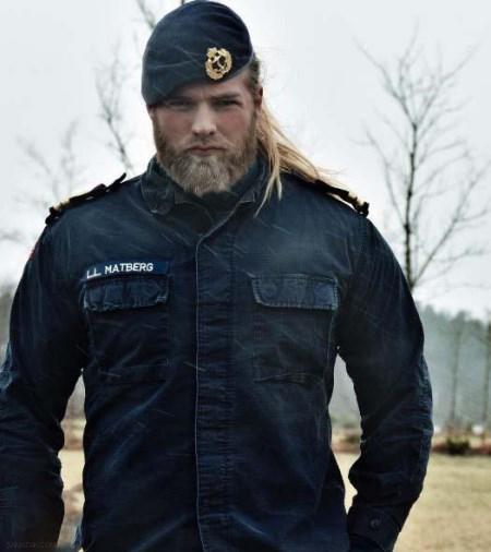 خوشتیپ ترین مرد پلیس جهان + تصاویر