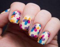 مدل طراحی ناخن دخترانه در رنگ های شاد و بهاری