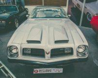 ماشین های قدیمی آمریکایی در نمایشگاه خودرو تهران