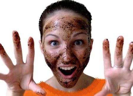 خواص و فواید اسکراب قهوه برای پوست صورت