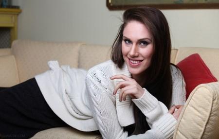 زیباترین دختر مدلینگ 2 تا واژن (آلت تناسلی) دارد + تصاویر