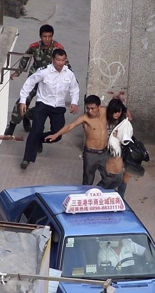 دختری که توسط دوست پسرش گروگان گرفته شد