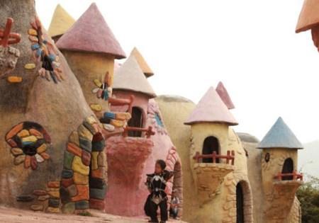 شهر کوتوله ها در روستای یانگسی سیچوان چین + تصاویر