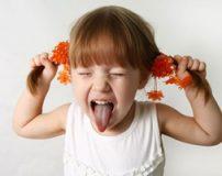 طرز رفتار با کودک پر جنب و جوش در مهمانی ها