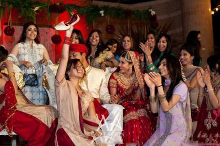 سنت های جالب شب زفاف در دنیا + تصاویر