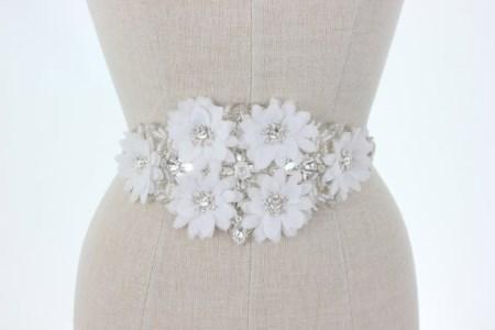 شیک ترین مدل های کمربند سنگ دوزی شده لباس عروس