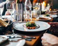 ترفندهای رستوران ها در هنگام سرو غذا