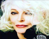 پیرزن مدلینگ 85 ساله با چهره و اندام زیبا + تصاویر