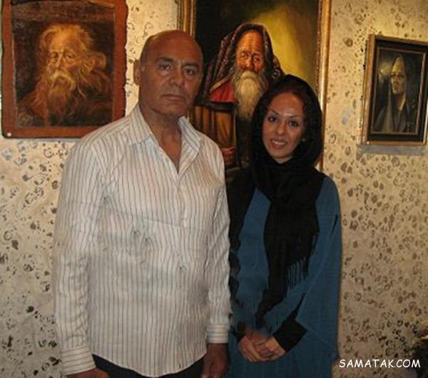 تیپ ساناز و مریم هاشم پور کنار پدرشان در جشن منتقدان سینما
