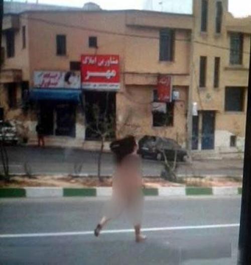 دختر برهنه و لخت در خیابان های شیراز در حال دویدن (تصاویر 18+)