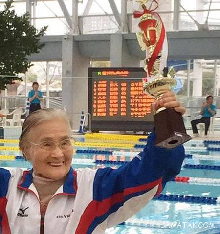 پیرترین زن شناگر جهان با 100 سال سن + تصاویر