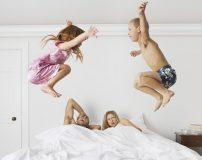 آموزش رابطه جنسی با وجود بچه ها در خانه