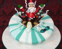 کیک کریسمس امسال را با این ایده ها تزیین کنید