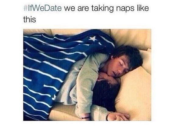 خوابیدن زن و شوهر در تخت خواب
