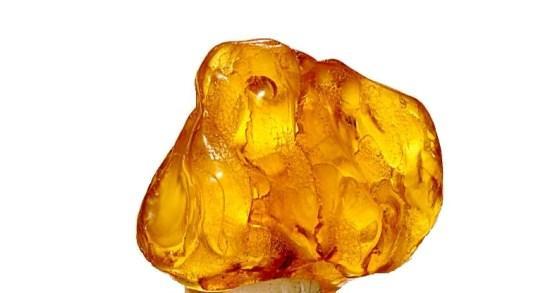 سنگ کهربا چه خاصیتی دارد | انواع سنگ کهربا