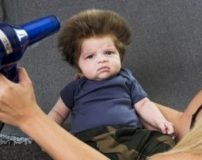 بهترین زمان کوتاهی موی نوزاد | بهترین زمان برای اصلاح موی نوزاد