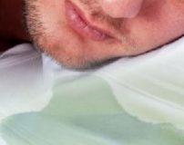 علت بیرون ریختن آب دهان در خواب | جلوگیری از ریختن آب دهان در خواب