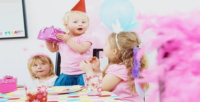 چگونه برای دختر بچهها جشن تولد بگیریم؟