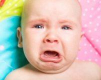 اشک نوزاد از چند ماهگی می آید | نوزادان از چند ماهگی هنگام گریه اشک میریزند
