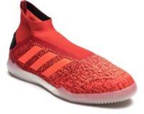 مشخصات بهترین کفش های فوتسال جهان 2020 (نکات خرید و بهترین برند)