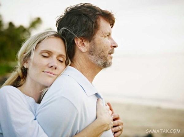 آموزش روش های در آغوش گرفتن همسر هنگام خواب و بیداری