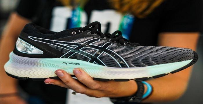 نحوه انتخاب کفش ورزشی مناسب برای پاهای خود